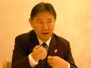 厚生労働省技術総括審議官の鈴木康裕氏