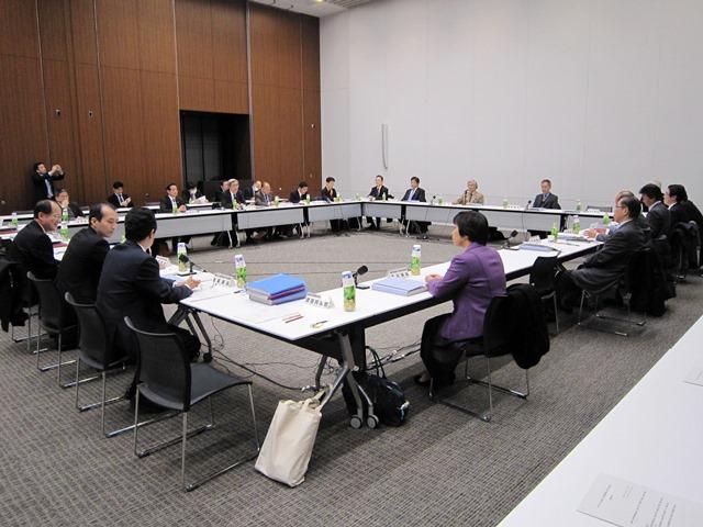 2月9日に開催された、「第10回医療法人の事業展開等に関する検討会」