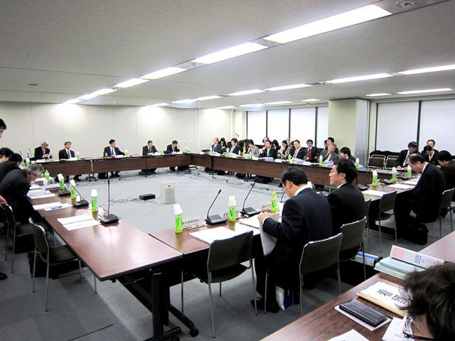 2月12日に開催された、第8回「地域医療構想策定ガイドライン等に関する検討会」