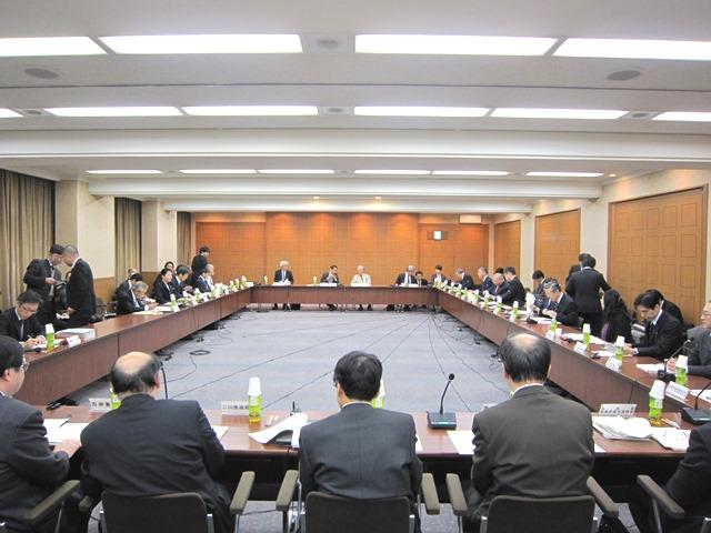 2月18日に開催された、「第39回 社会保障審議会・医療部会」