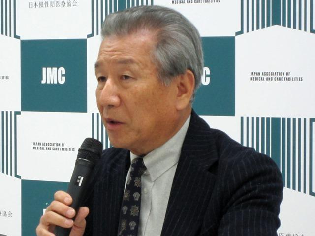 3月12日の定例記者会見に臨んだ、日本慢性期医療協会の武久洋三会長