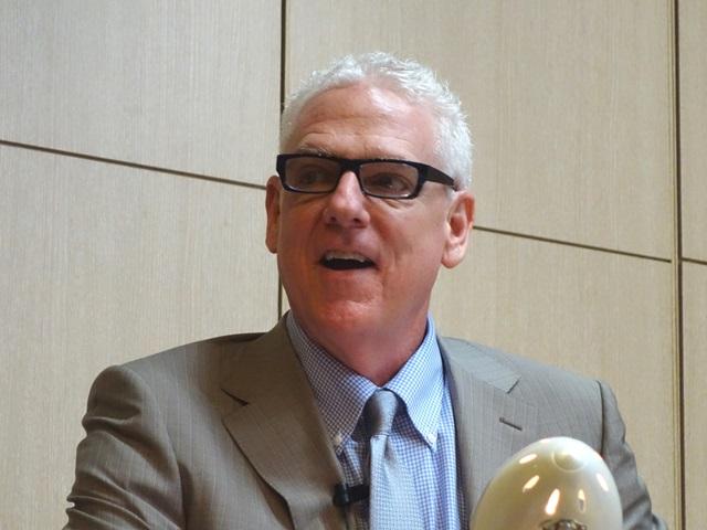 ハワイ、クィーンズメディカルセンターで外科部長兼がん委員会議長を務めるポール・モーリス医師、米国のがん臨床指標を詳しく解説