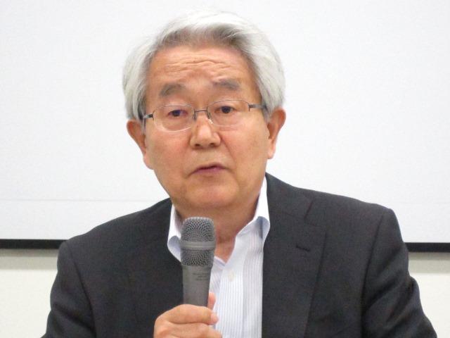 9月28日の定例記者会見に臨んだ、日本病院会の堺常雄会長