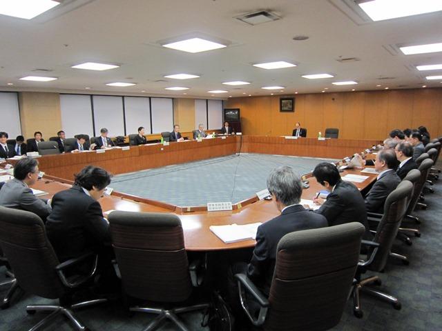 11月5日に開催された、「第4回 大学附属病院等の医療安全確保に関するタスクフォース」