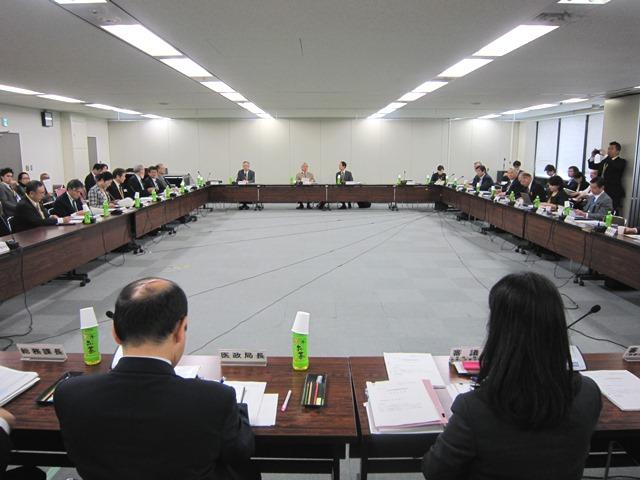 11月19日に開催された、「第42回 社会保障審議会 医療部会」