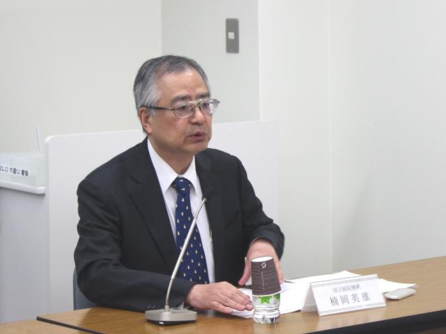 11月27日の定例記者会見で、厚労省に8項目の改定要望を行うことを発表した、日本病院団体協議会の楠岡英雄議長