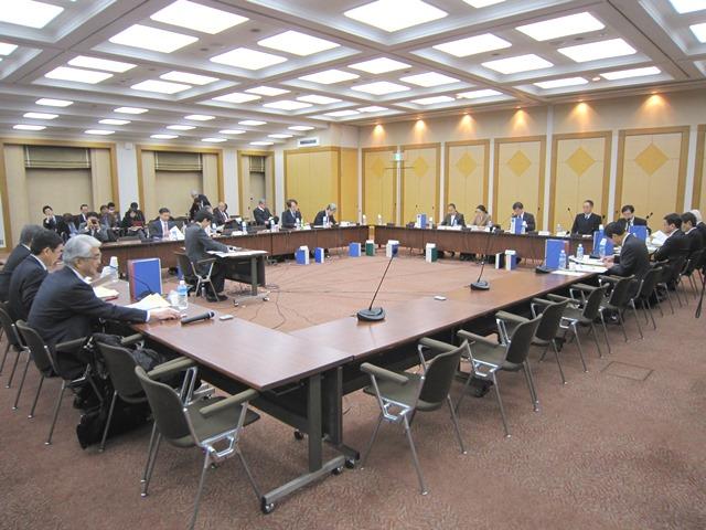 12月2日に開催された、「第112回 中央社会保険医療協議会 薬価専門部会」