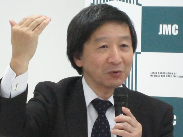 11月12日の日本慢性期医療協会・定例記者会見に臨んだ、池端幸彦副会長