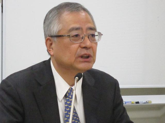 12月18日の日本病院団体協議会・代表者会議後に記者会見(定例記者会見)に臨んだ、楠岡英雄議長