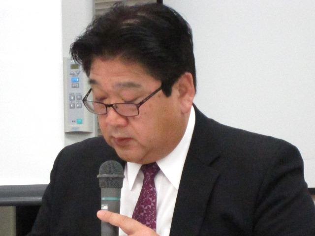 12月21日の日本病院会・定例記者会見で、「平成27年度診療報酬等に関する定期調査―集計結果報告書(概要)―」について詳細な説明をする、同会・診療報酬改定影響度調査ワーキンググループの永易卓委員(若草第一病院事務局長)