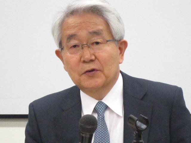 1月12日に、2016年初の記者会見に臨んだ、日本病院会の堺常雄会長