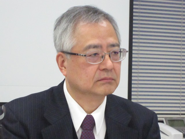 1月28日の定例記者会見で、2016年度改定の短冊に対する見解などを述べた、日本病院団体協議会の楠岡英雄議長