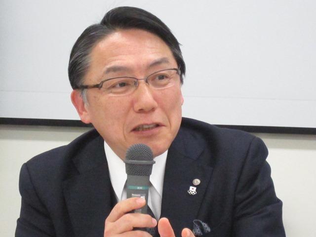 1月28日の定例記者会見で、2016年度診療報酬改定の短冊に対する見解などを述べた、日本病院団体協議会の神野正博副議長