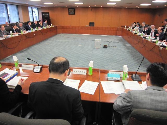 3月25日に開催された、「第1回 社会保障審議会 医療部会 専門医養成の在り方に関する専門委員会」