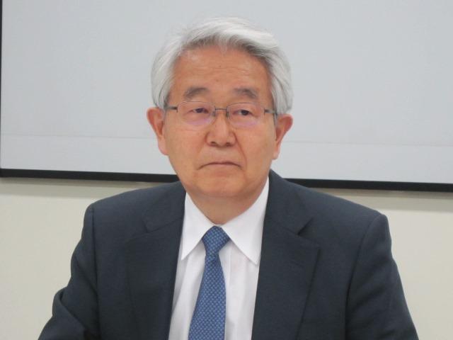 3月28日の定例記者会見に臨んだ、日本病院会の堺常雄会長