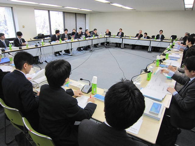 3月31日に開催された、「第4回 医療従事者の需給に関する検討会 医師需給分科会」