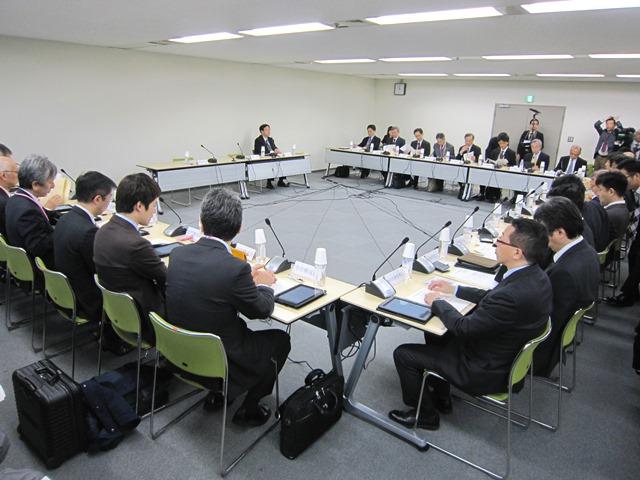4月14日に開催された、「第1回 患者申出療養評価会議」