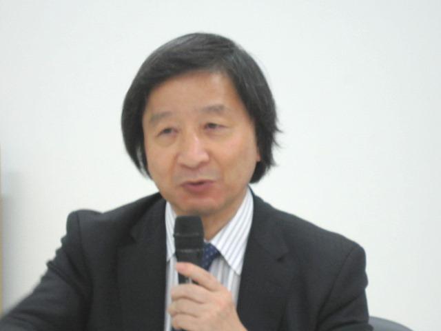 4月21日の定例記者会見に臨んだ、日本慢性期医療協会の池端幸彦副会長