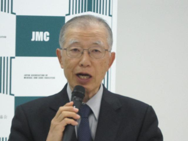 4月21日の定例記者会見に臨んだ、日本慢性期医療協会の中川翼副会長