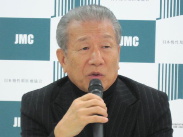 4月21日の定例記者会見に臨んだ、日本慢性期医療協会の武久洋三会長