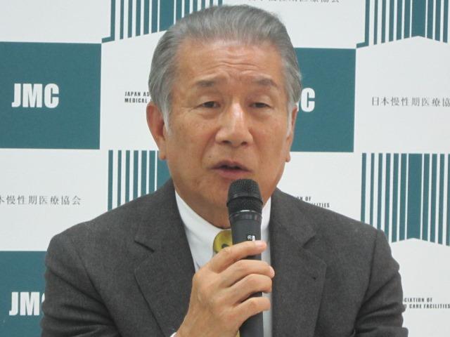 5月12日の定例記者会見に臨んだ、日本慢性期医療協会の武久洋三会長