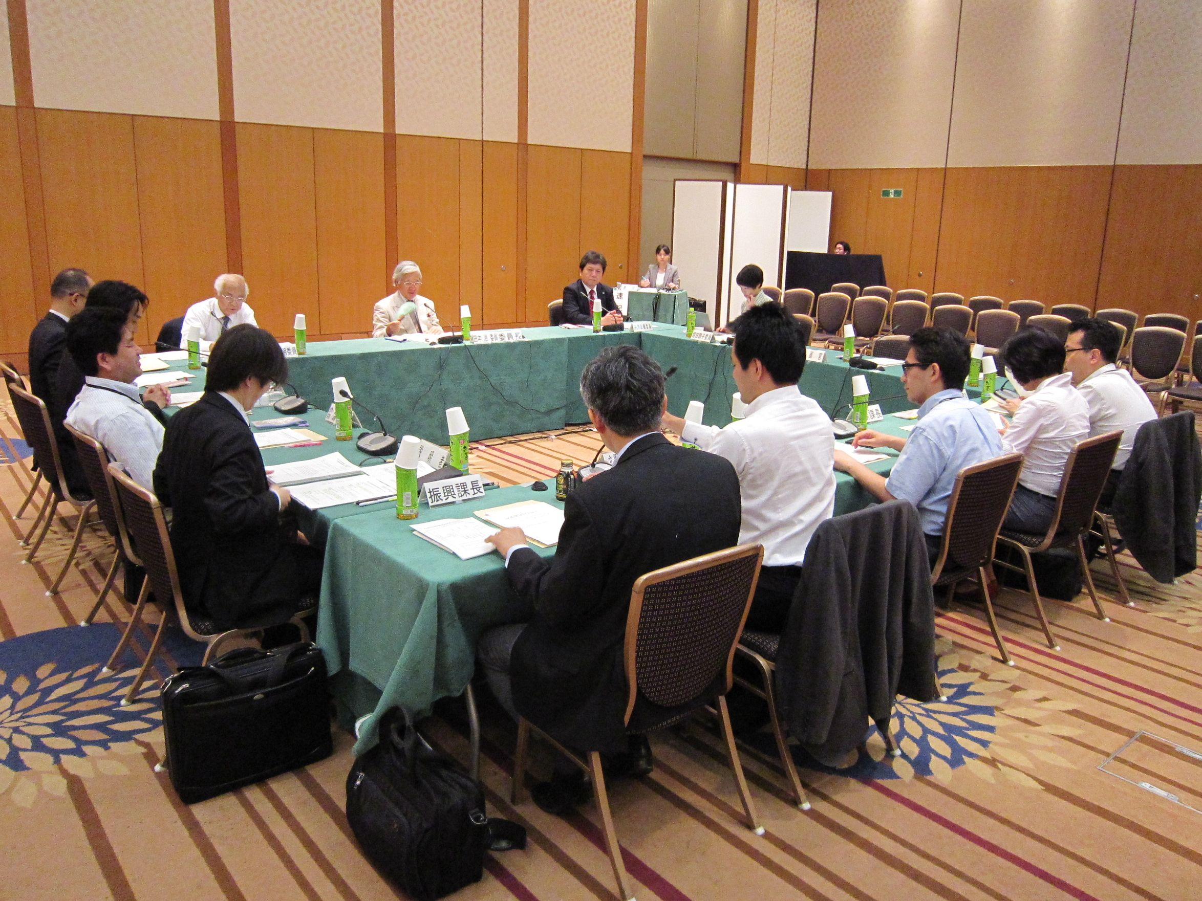 6月8日に開催された、「第20回 社会保障審議会 介護給付費分科会 介護事業経営調査委員会」