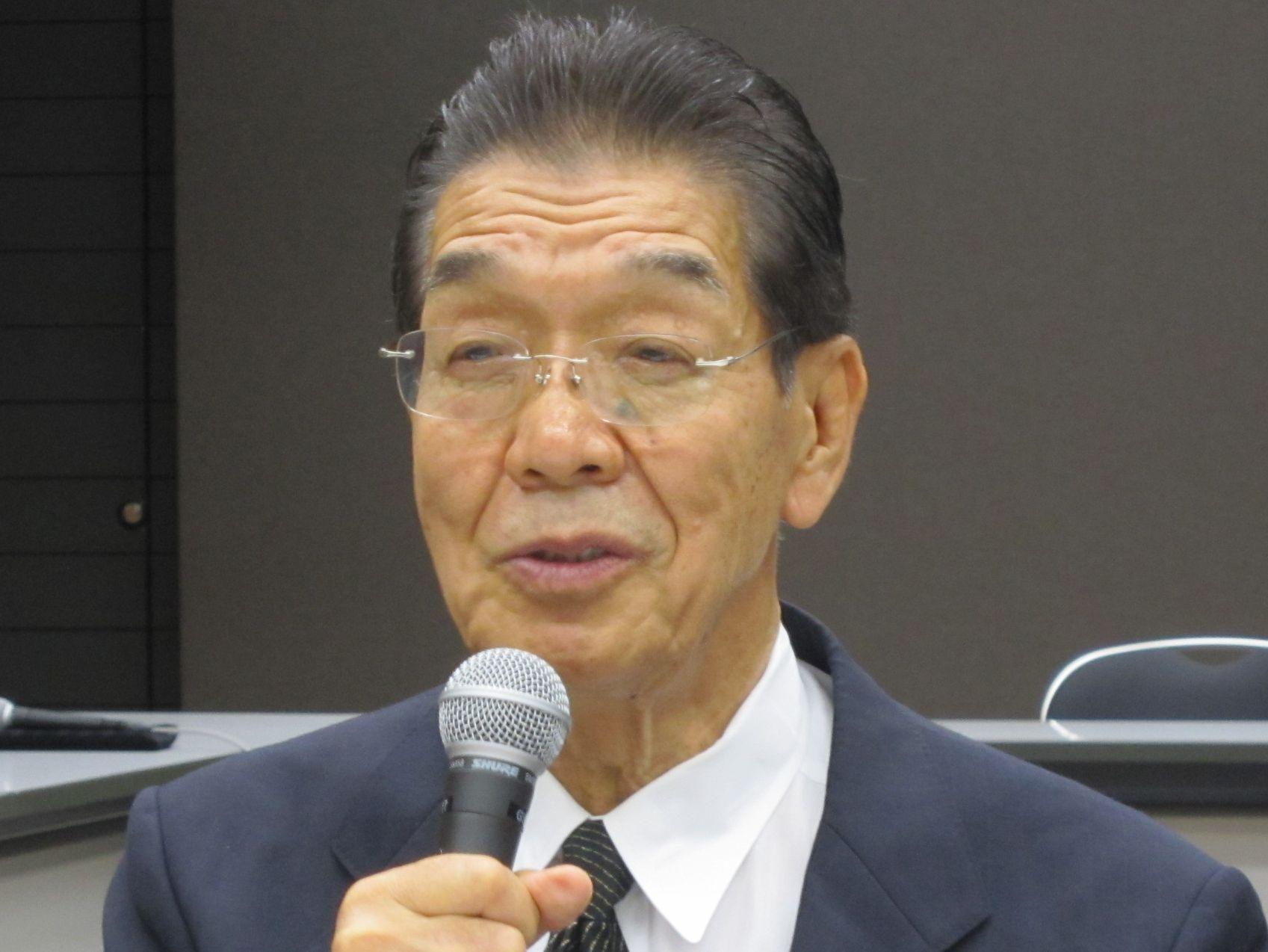7月11日の理事会終了後に、記者会見に臨んだ日本専門医機構の吉村博邦理事長