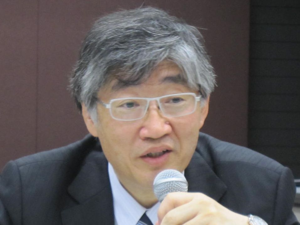 7月25日、社員総会後の記者会見に臨んだ、日本専門医機構の山下英俊副理事長