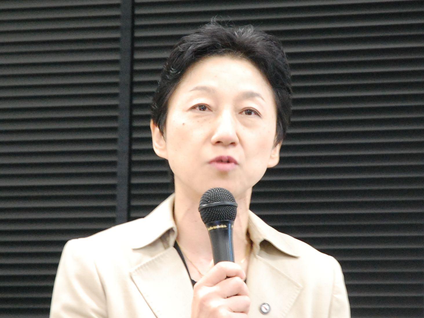 グローバルヘルスコンサルティング・ジャパン(GHC)マネジャーの塚越篤子。病院の戦略を考える上では客観的なデータに基づく「ベンチマーク」が不可欠であると強調する。