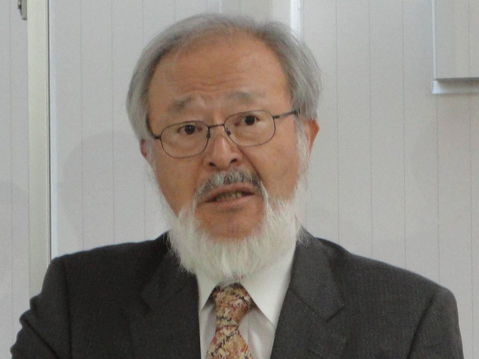 11月17日の定例記者会見に臨んだ、全国自治体病院協議会の邉見公雄会長