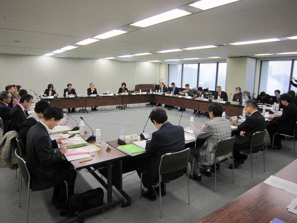 11月24日に開催された、「第62回 がん対策推進協議会」