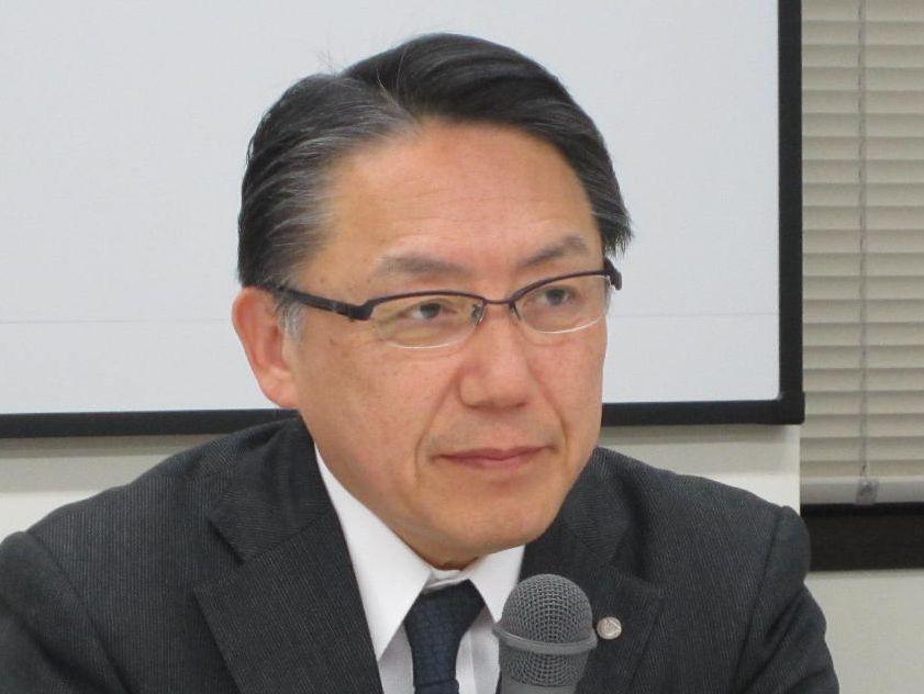 11月25日の日本病院団体協議会・代表者会議後に記者会見に臨んだ、神野正博議長