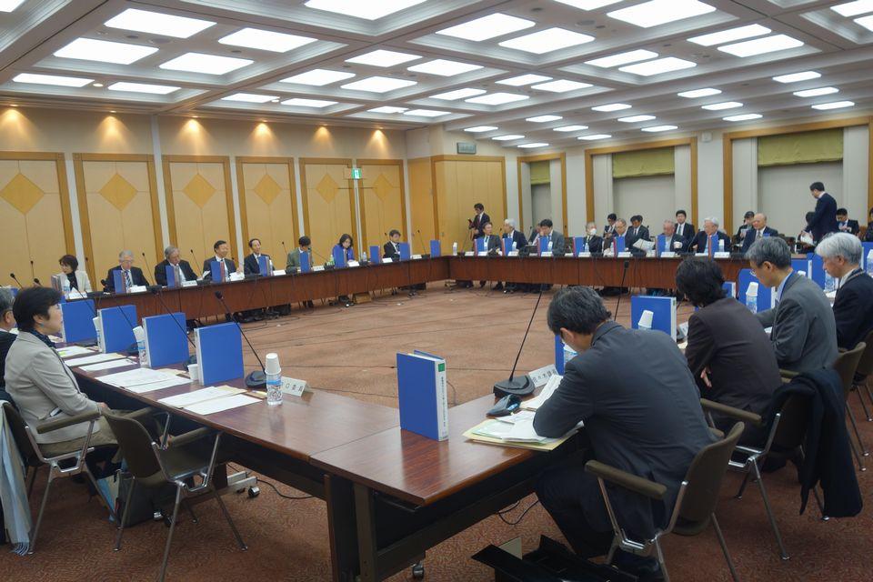 11月30日に開催された、「第6回 社会保障審議会 療養病床の在り方等に関する特別部会」