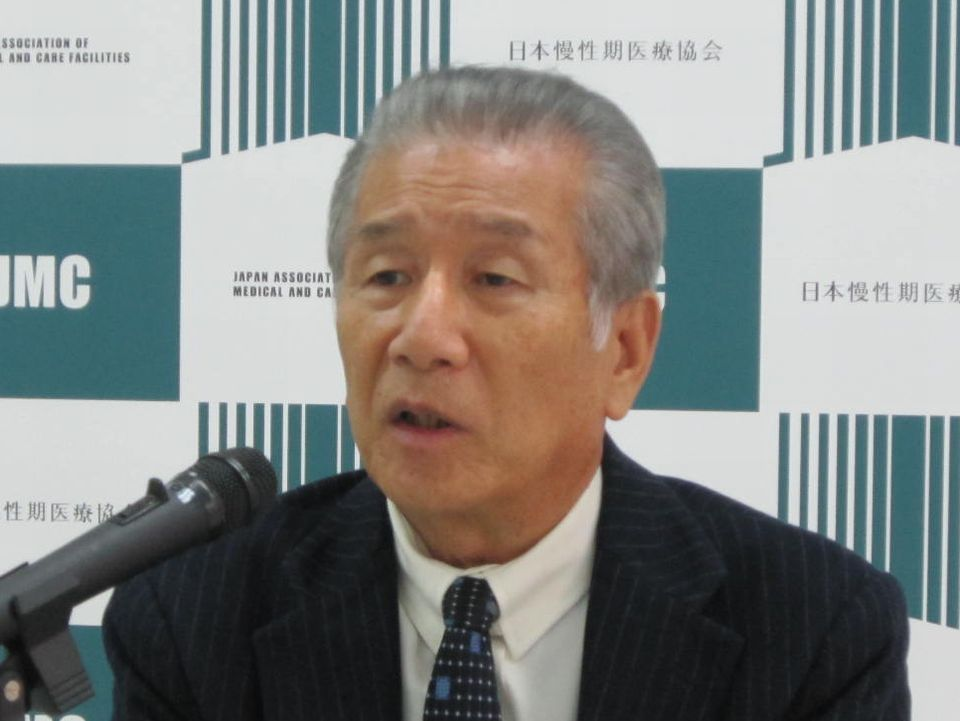 12月8日の理事会後、記者会見に臨んだ日本慢性期医療協会の武久洋三会長