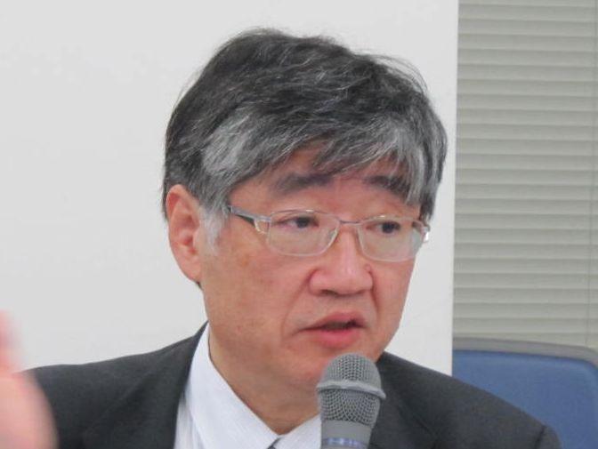 12月9日の日本専門医機構・理事会終了後に、記者会見に臨んだ山下英俊副理事長