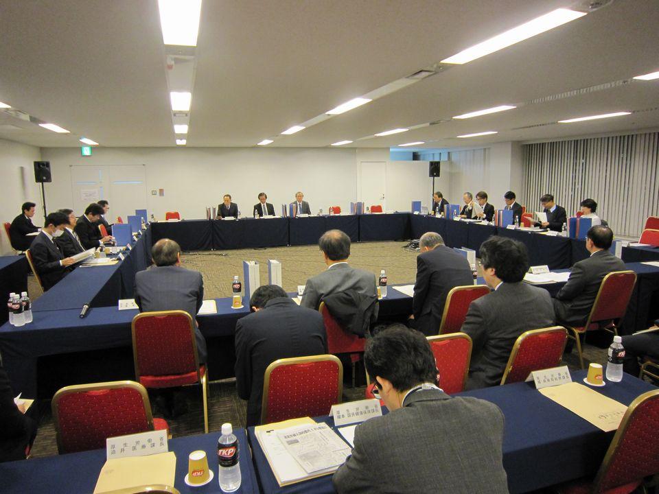 12月21日に開催された、「第8回 データヘルス時代の質の高い医療の実現に向けた有識者検討会」