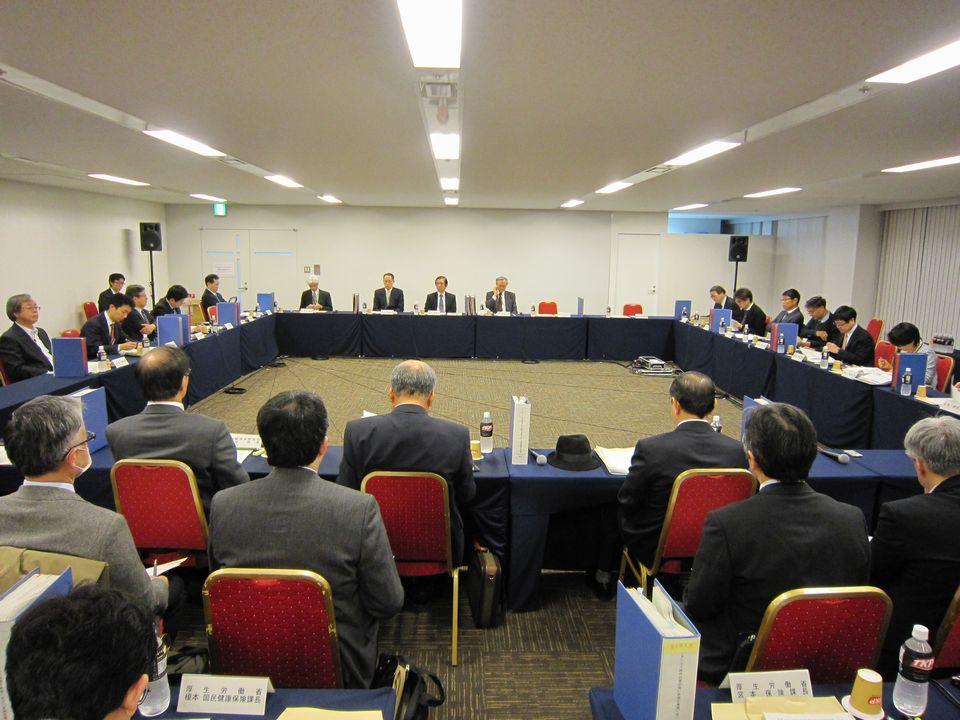 12月26日に開催された、「第9回 データヘルス時代の質の高い医療の実現に向けた有識者検討会」