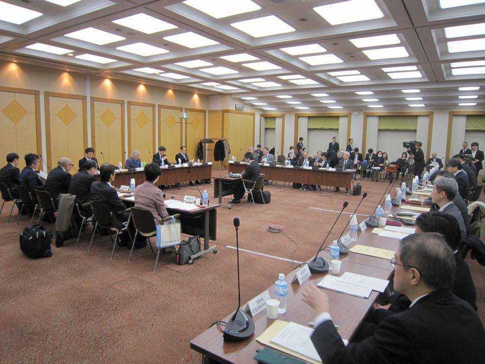 3月22日に開催された、「第1回 医療と介護の連携に関する意見交換」