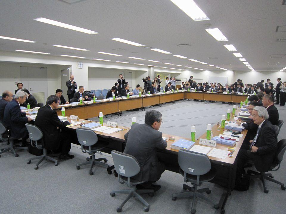 4月20日に開催された、「第4回 医療従事者の需給に関する検討会」と「第9回 医師需給分科会」の合同会合