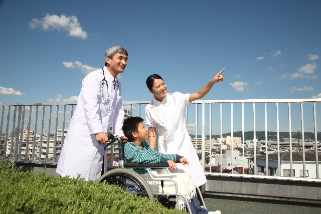 (写真2)米国の医師から見ると日本の医師と患者の関係は素晴らしい※写真はイメージです
