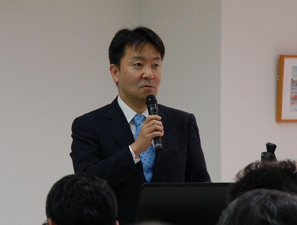 6月22日に開催された日本慢性期医療協会の第42回通常総会で、「社会保障の持続可能性」について記念講演を行った厚生労働省保険局医療課の眞鍋馨企画官