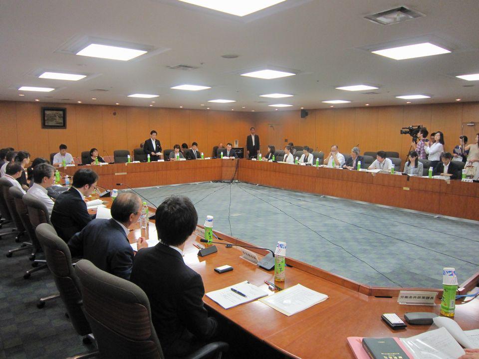 8月2日に開催された、「第1回 医師の働き方改革に関する検討会」