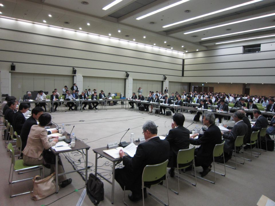 10月4日に開催された、「第1回 中央社会保険医療協議会 費用対効果評価専門部会・薬価専門部会・保険医療材料専門部会 合同部会」