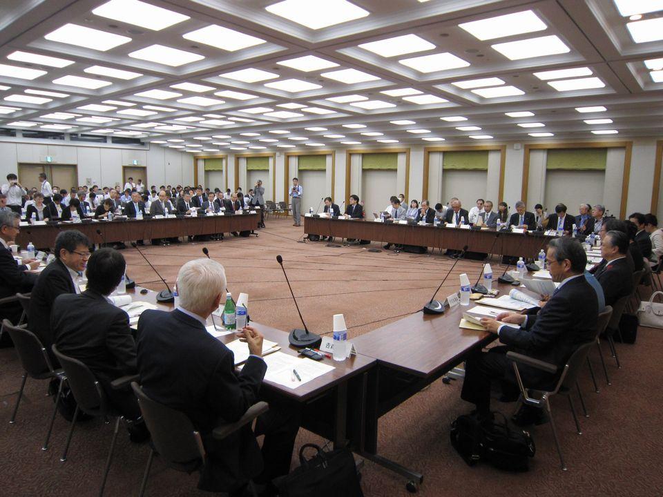10月11日に開催された、「第2回 中央社会保険医療協議会 費用対効果評価専門部会・薬価専門部会・保険医療材料専門部会合同部会」