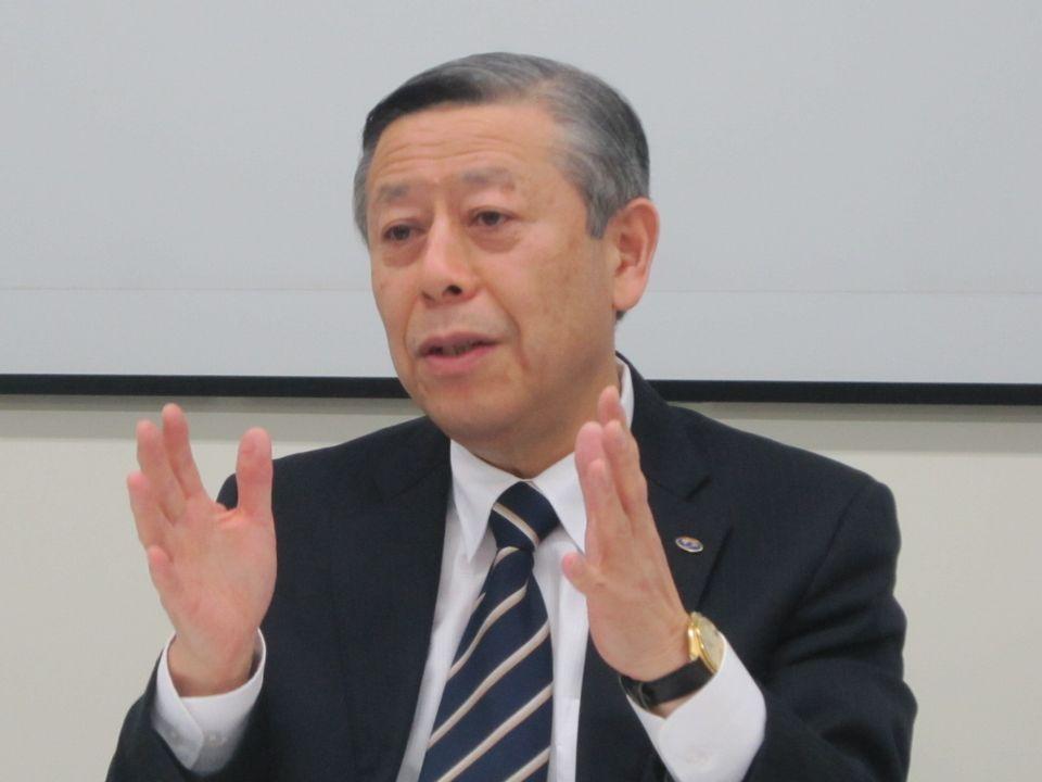 11月27日の定例記者会見に臨んだ、日本病院会の相澤孝夫会長(社会医療法人財団慈泉会相澤病院理事長)