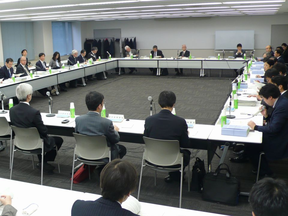 12月8日に開催された、「第16回 医療従事者の需給に関する検討会 医師需給分科会」