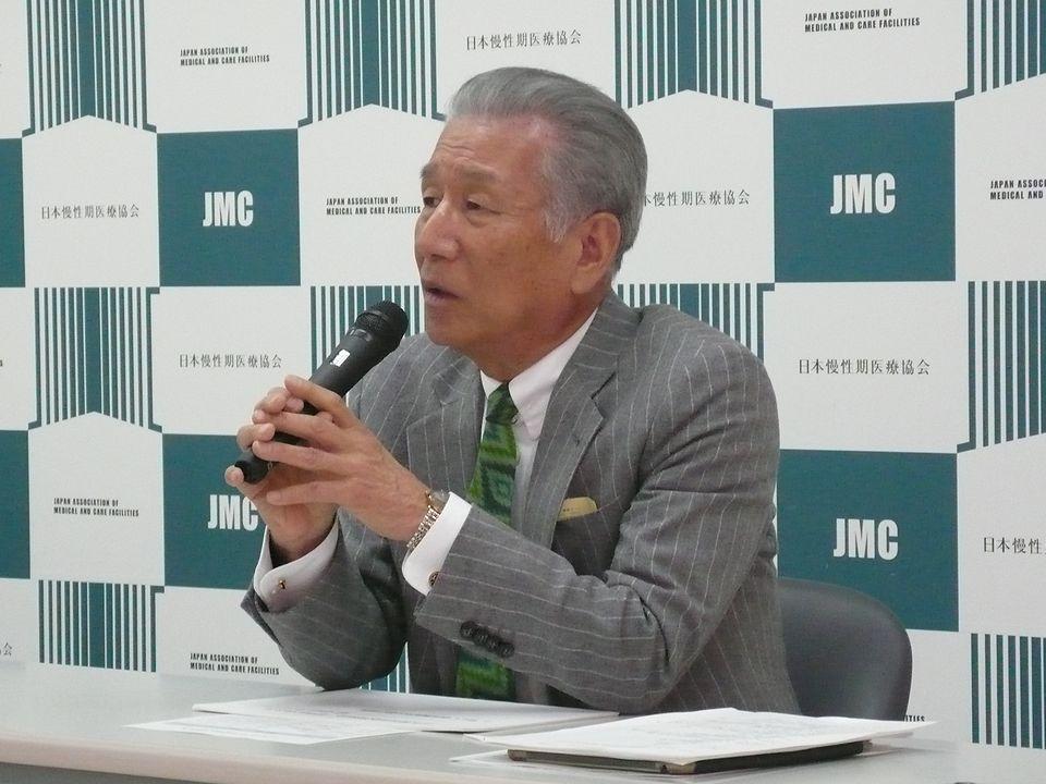 12月14日に定例記者会見に臨む、日本慢性期医療協会の武久洋三会長