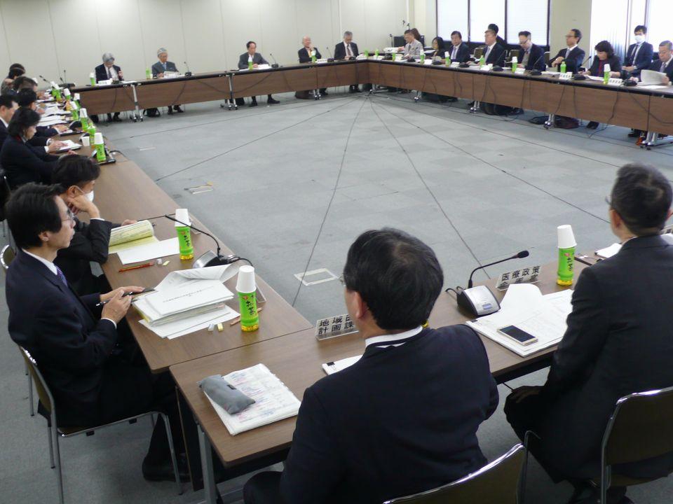 12月6日に開催された、「第57回 社会保障審議会 医療部会」