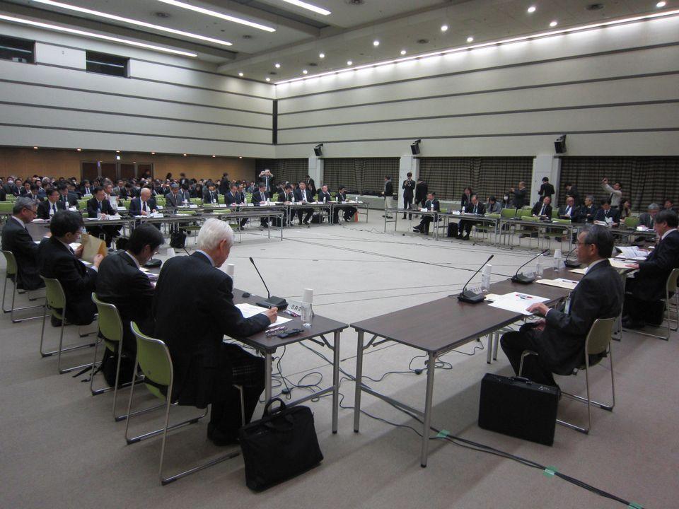 12月13日に開催された、「第142回 中央社会保険医療協議会 薬価専門部会」
