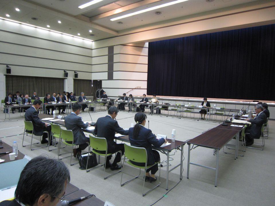 12月13日に開催された、「第90回 中央社会保険医療協議会 保険医療材料専門部会」